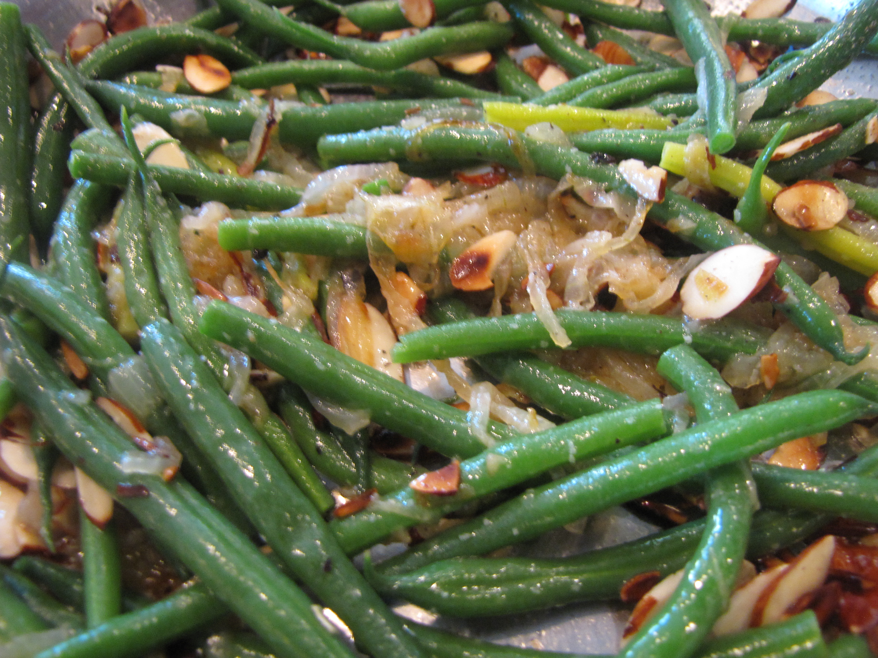 Food Network Green Beans With Caramelized Onions And Almonds
